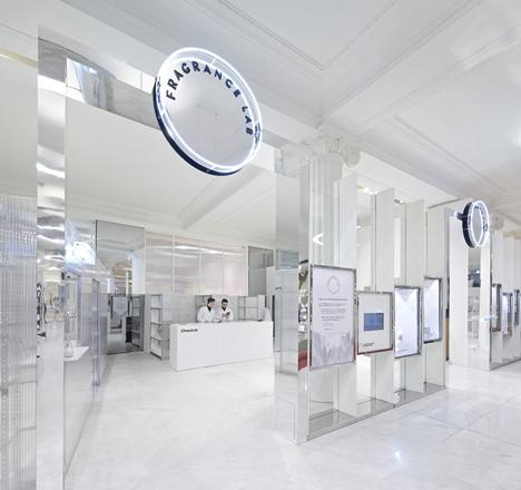 The-Fragrance-Lab-at-Selfridges_dezeen_11.jpg