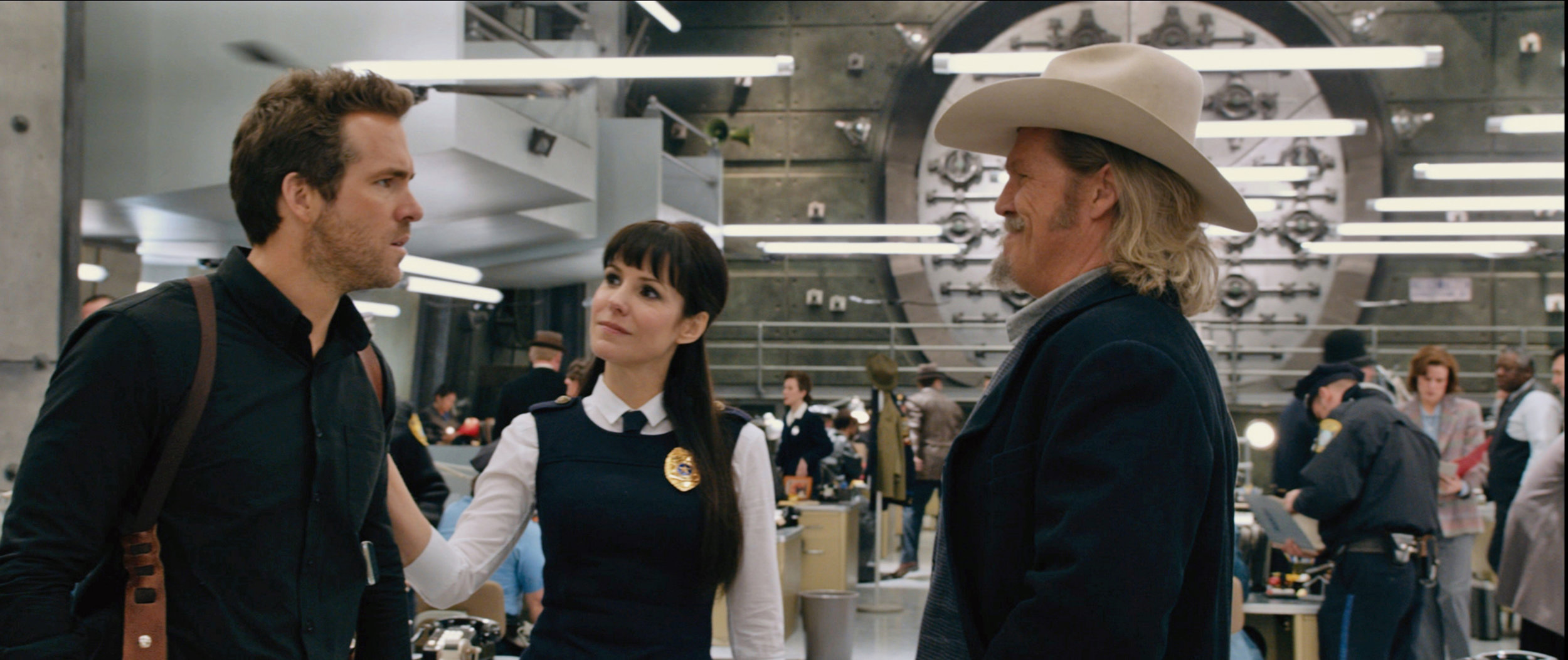 Ryan Reynolds, Mary Louise-Parker and Jeff Bridges in RIPD
