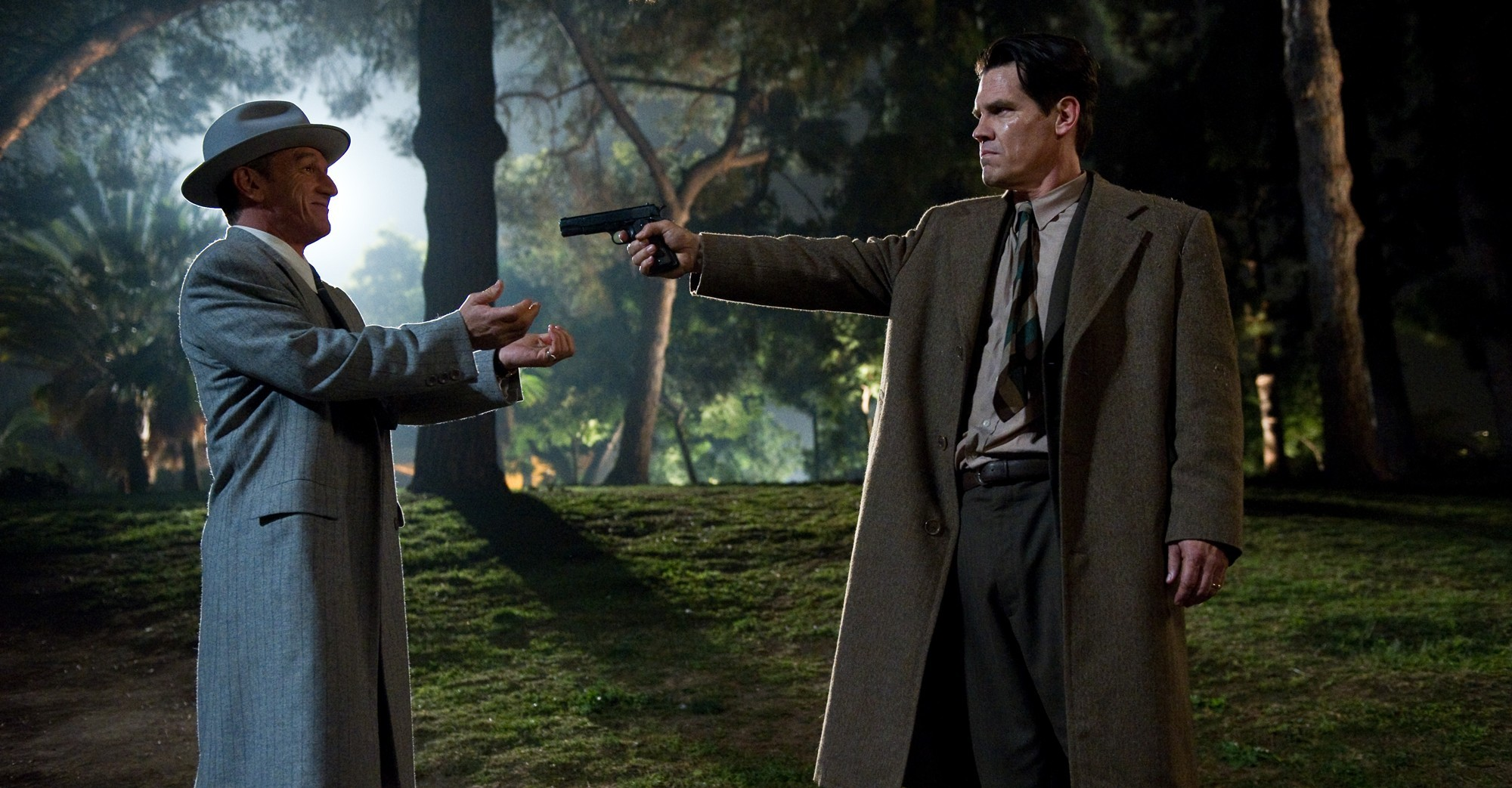 Josh Brolin and Sean Penn in Gangster Squad