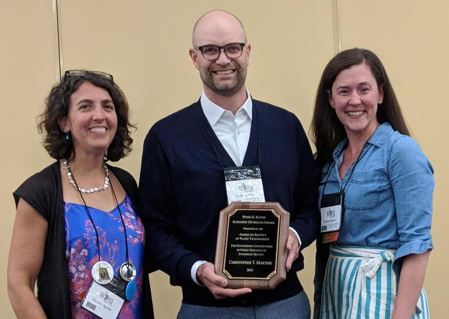 Chris Martine, 2018 Peter Raven Awardee with ASPT President Chelsea Specht (left) and Krissa Skogen