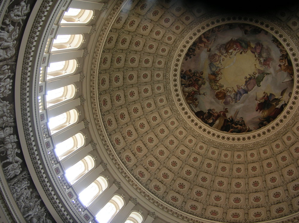 Top_middle_interior_view_of_US_Capitol_dome_1.jpg