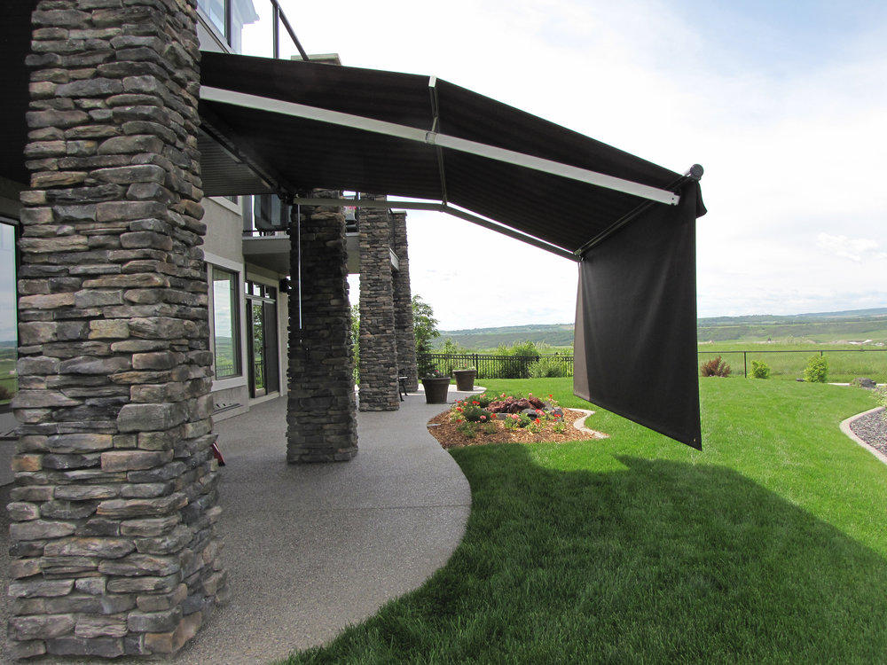 Patio awning with screen 3
