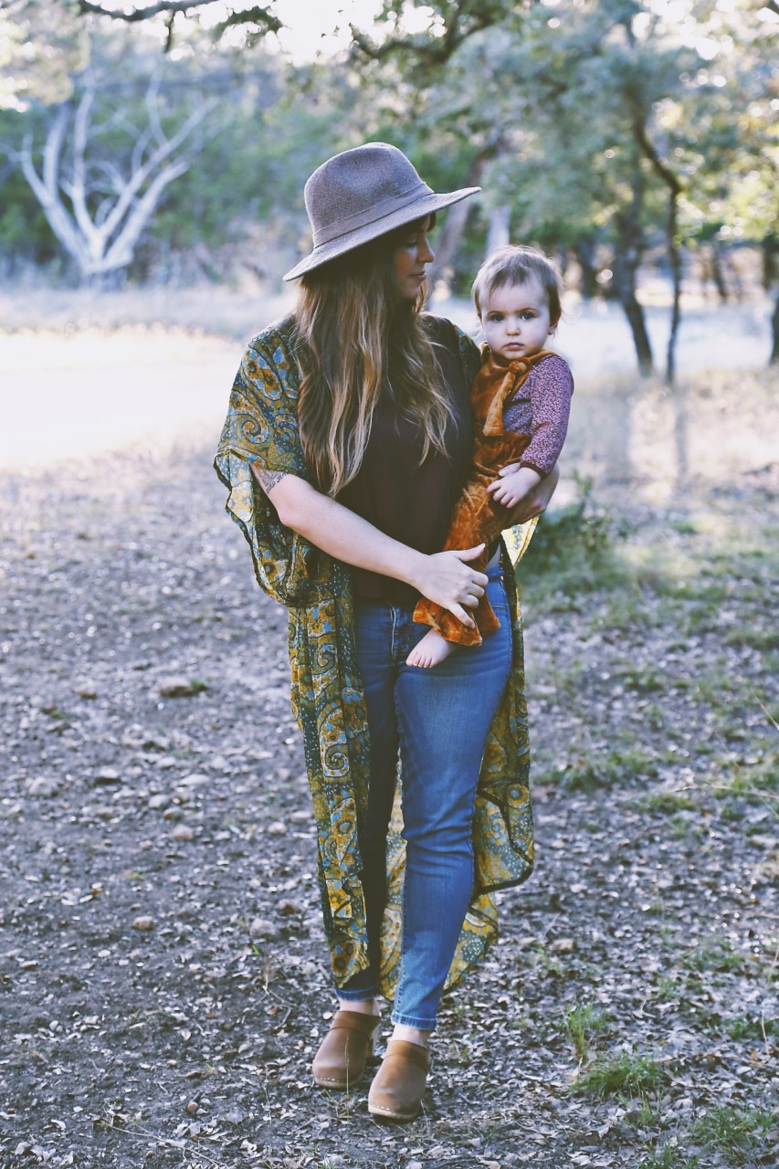 Mama + Babe via mamabirdlittlewing.com