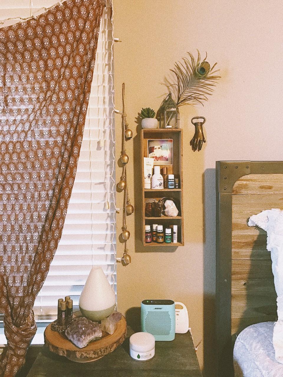 Bedroom Oily Station via mamabirdlittlewing.com