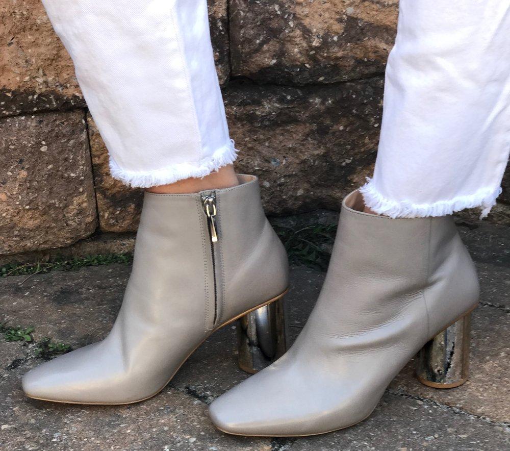 Wearing:  Zara Blouse , Zara Pants ,  Zara Boots (similar),  Madewell Scarf,   Illesteva sunglasses