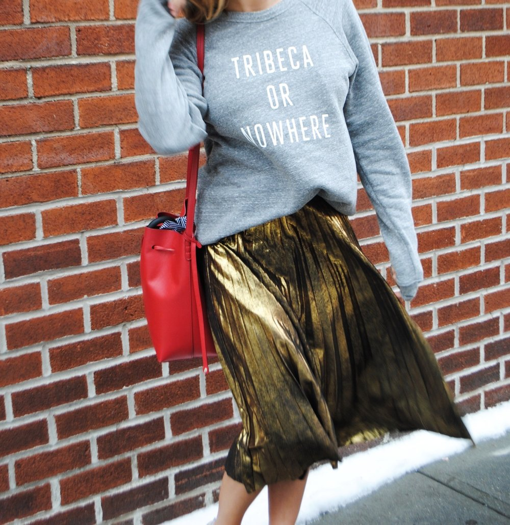 Wearing:  Knowlita Sweatshirt,   Zara skirt ,  Golden goose sneakers,