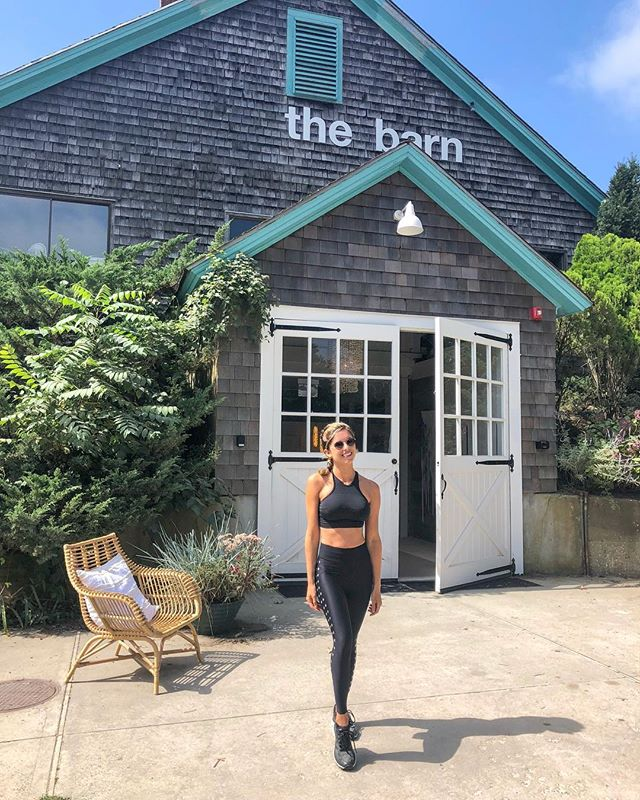 Tried out a new work out this morning @soulannex 🙌🏻 prettiest barn I've ever seen😍 great space, awesome routine, & great instructor [ Isaac ]💪🏻 . . . . . . #labordayweekend #summer #august #love #fashion #stylegram #workout #healthy #fit #active #workoutgear #summertime #happy #thebarn #soulcycle #soulannex #hamptons #bridgehampton