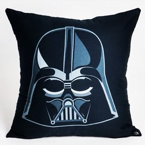 We love star wars! This time, Darth Vader attacks! #darthvader #starwars #cushions #almofadas #homedecor #interiordesign