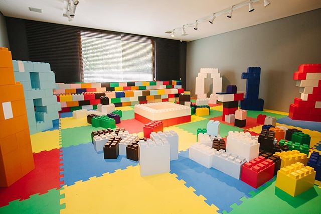 E essa sala de blocos na Brincaderia? Um evento maravilhoso em parceria com a @anacurycasacriativa 🙂
