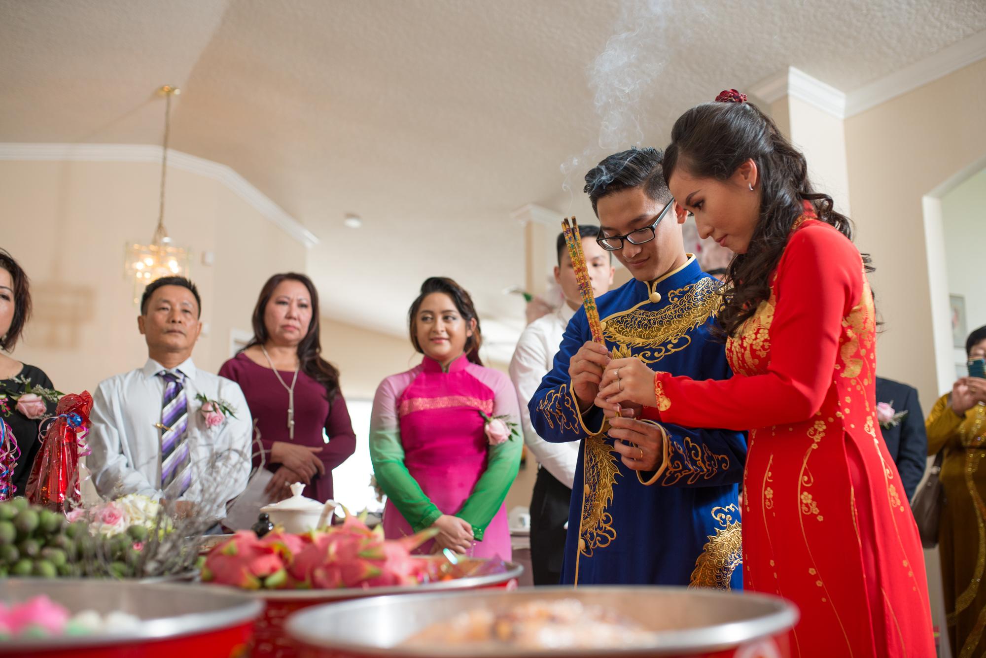 Vietnamese wedding gift etiquette