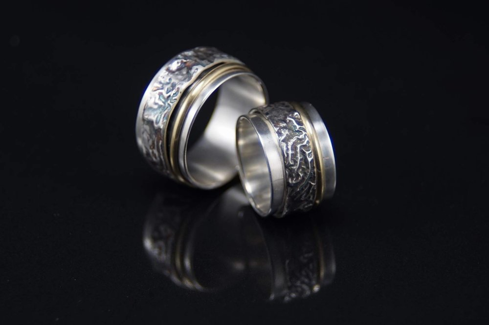 14K & Reticulated Spinning Wedding Bands