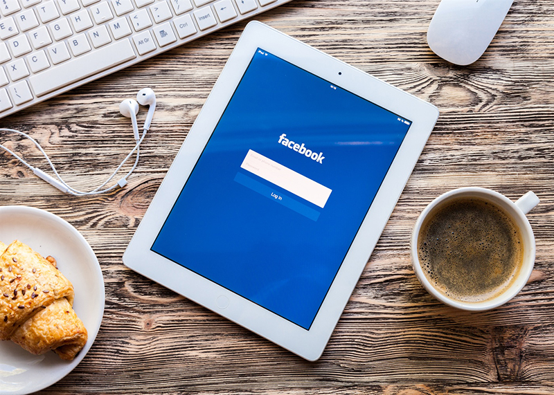 120102-customer-facebook