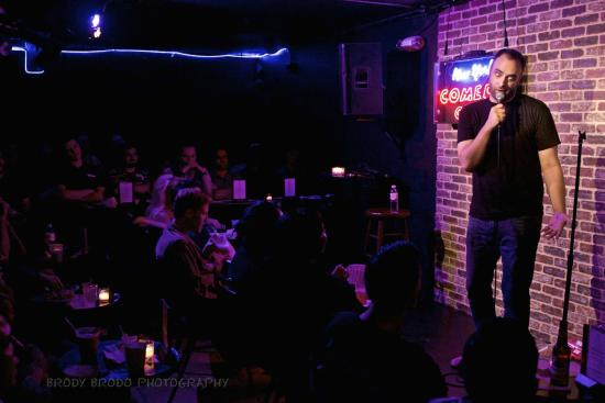 new-york-comedy-club.jpg