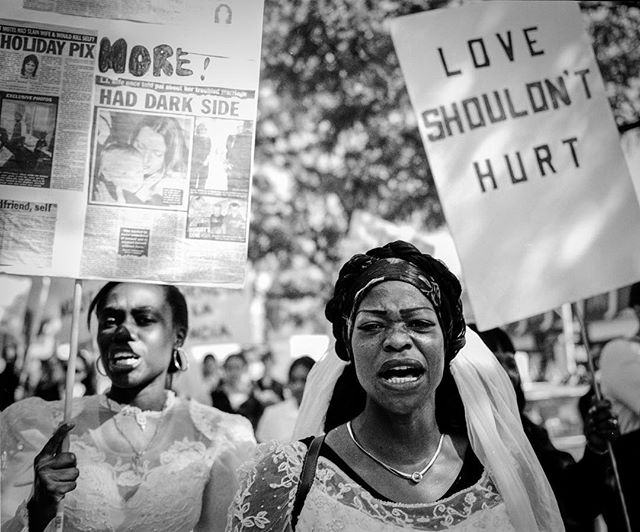 Applications for Sacred Eye Sicily have been extended until April 11! One more week to apply for this incredible workshop with Letizia Battaglia, Donna Ferrato and Tomeu Coll. New dates: May 28-June 3. 📷#DV rally, NYC 2007 ©DF