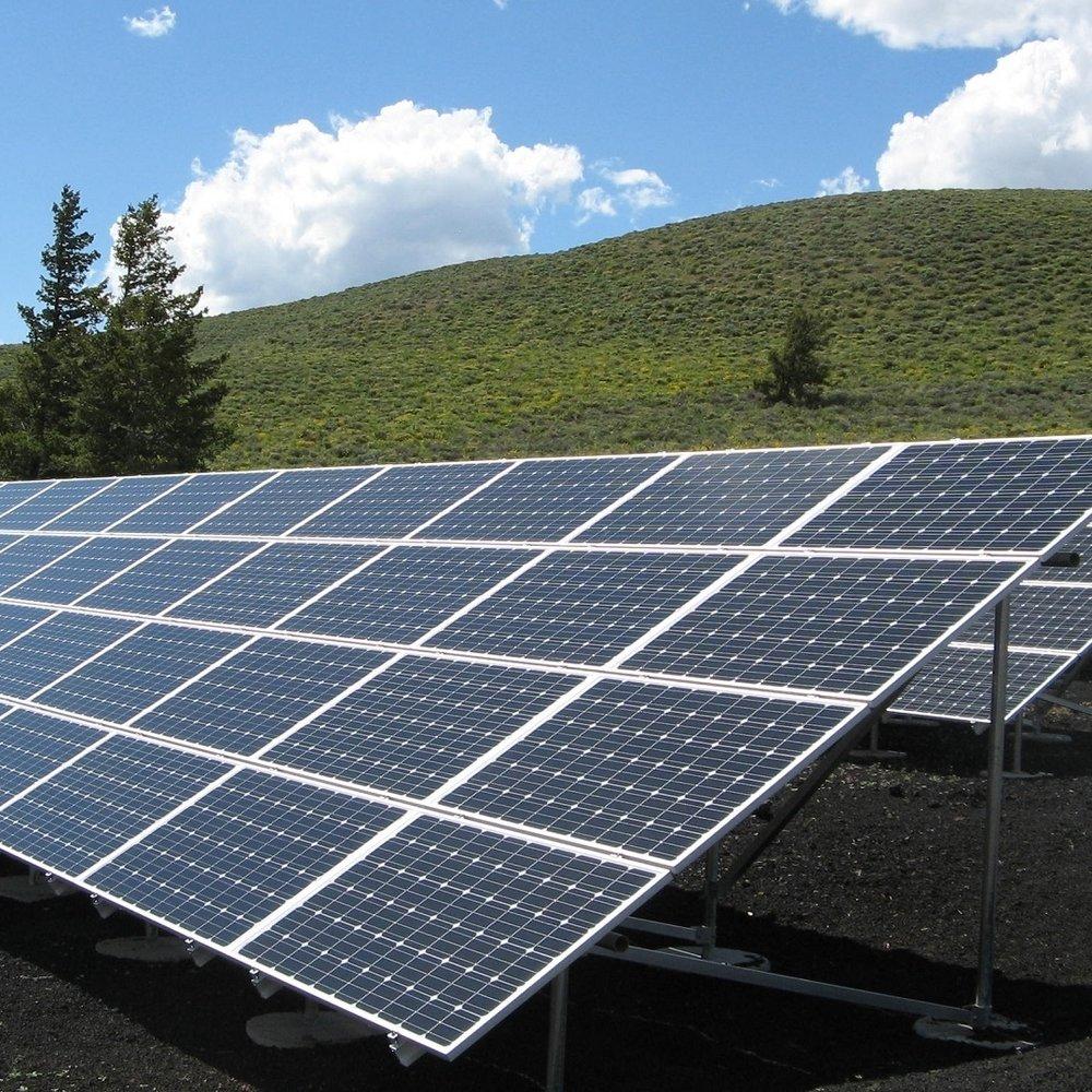 solar-panel-array-1591350.jpg