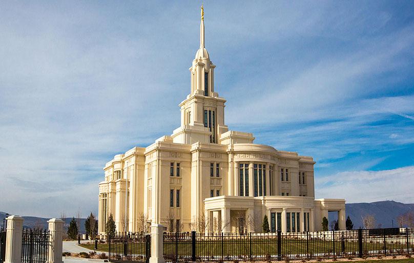 Payson_Utah_Temple_Exterior.jpg