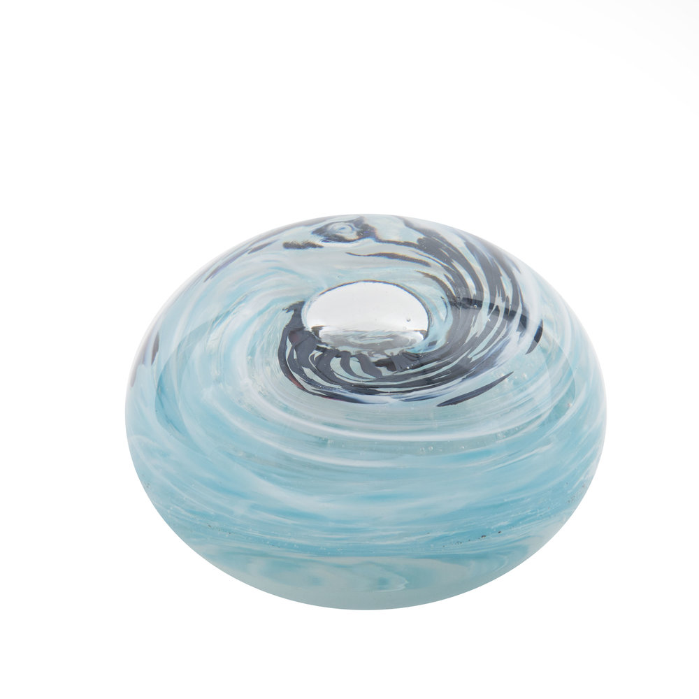 Holdman-studios-blown-glass-experiences-paperweight-example-4.jpg