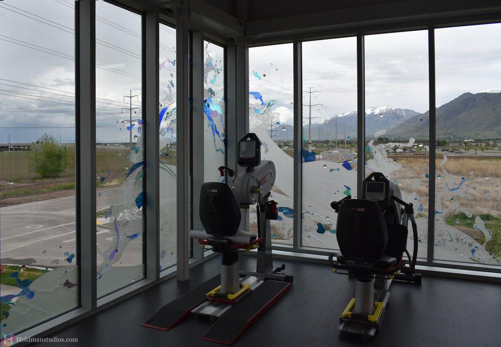holdman-studios-hand-blown-stained-glass-corner-windows-springville-clyde-rec-center-water-bubbles.jpg