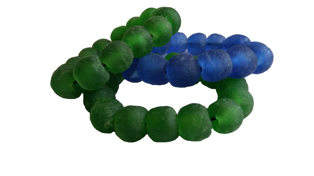 GLASS BEAD BRACELET   Handmade recycled glass beads from Ghana's Volta region.