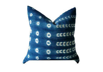 VINTAGE INDIGO PILLOW CASE Made from vintage indigo, handwoven, hand dyed in Mali.  Sewn by master tailors in Tamale, Ghana.