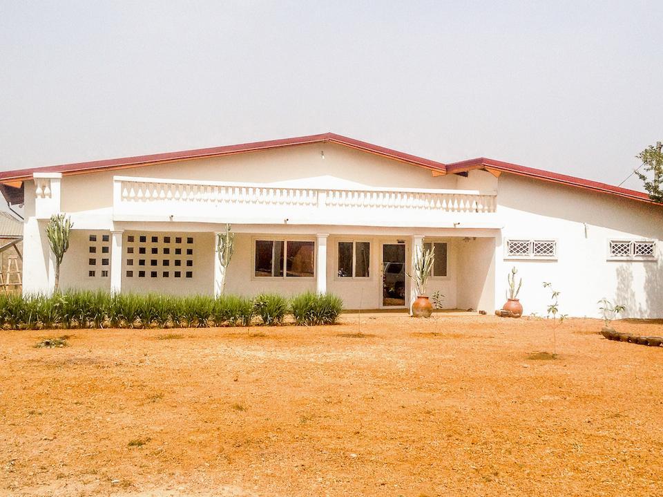 2- House Front 3.jpg