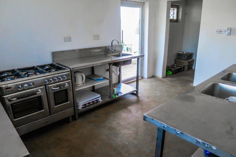 12- Kitchen 2.jpg