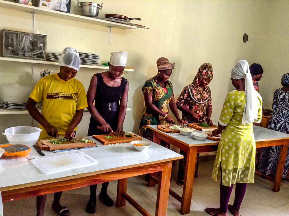 Culinary trainees choppingvegetables to cook_.jpg
