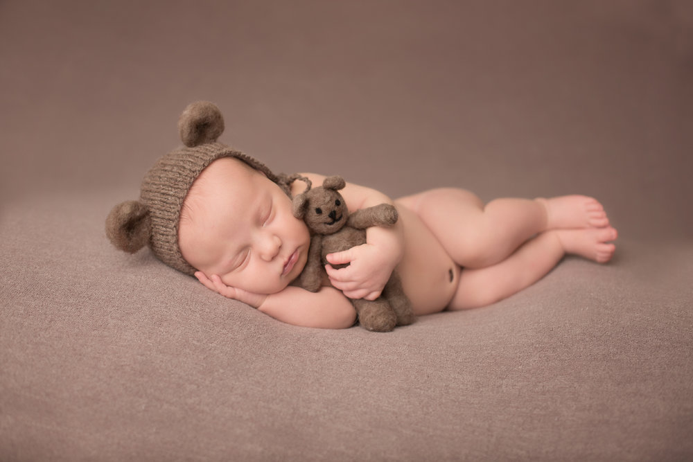 kansas city best newborn photographer