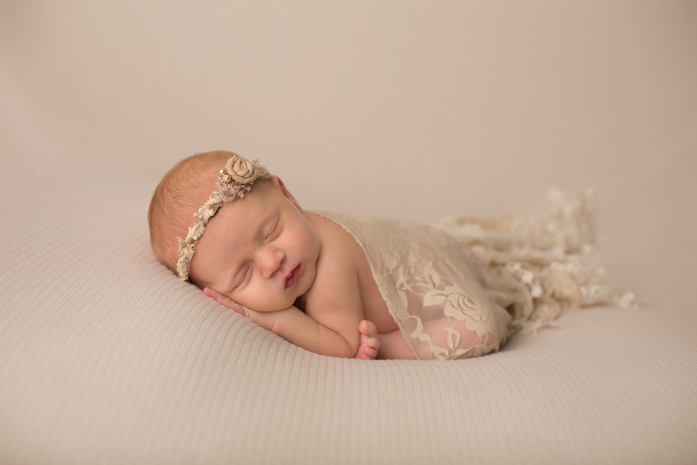 olathe kansas newborn photographer