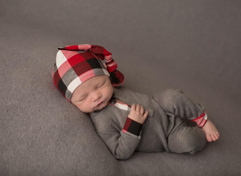 kansas city newborn photographer ~ Ainsley has arrived!