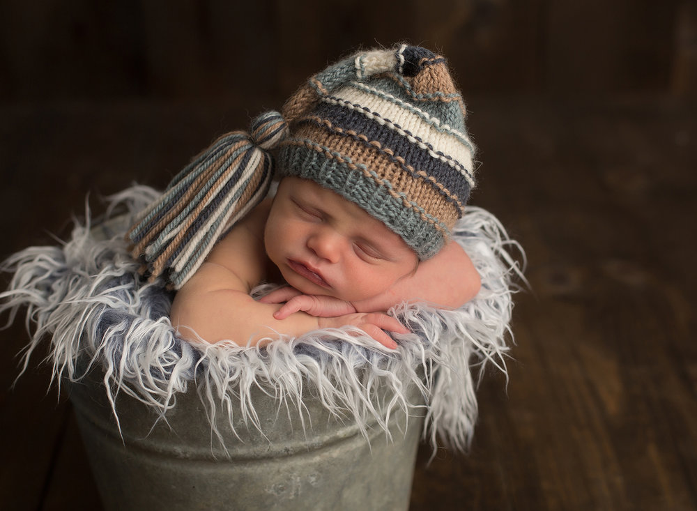 leawood kansas newborn photographer