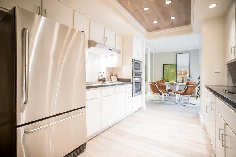 016-Kitchen-2443073-medium.jpg