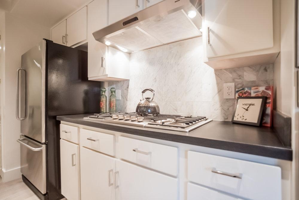 018-Kitchen-2443070-medium.jpg