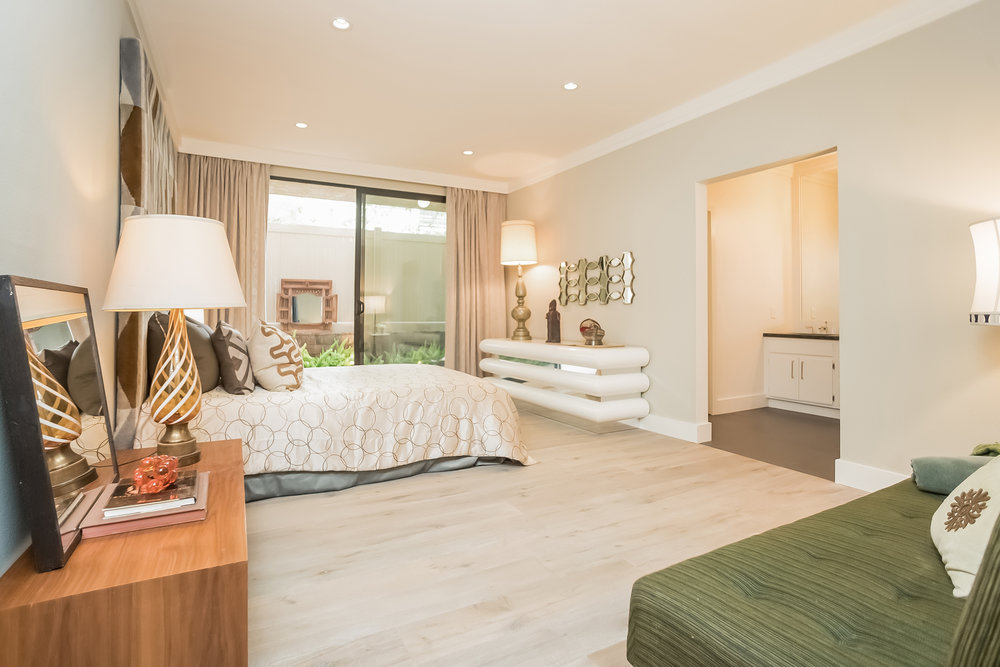 021-Bedroom-2443043-medium.jpg