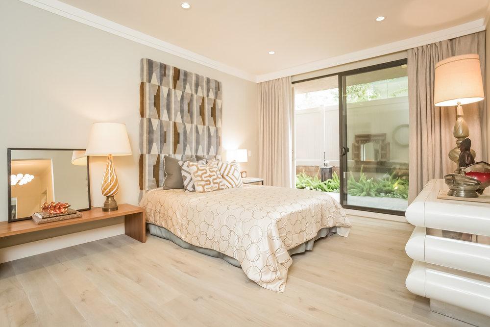 024-Bedroom-2443041-medium.jpg