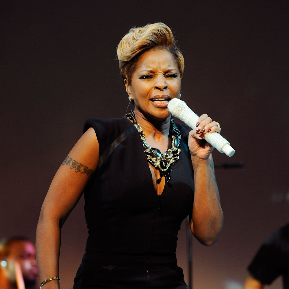 2010 Hope Help + Relief Haiti - Mary J Blige 1.jpg