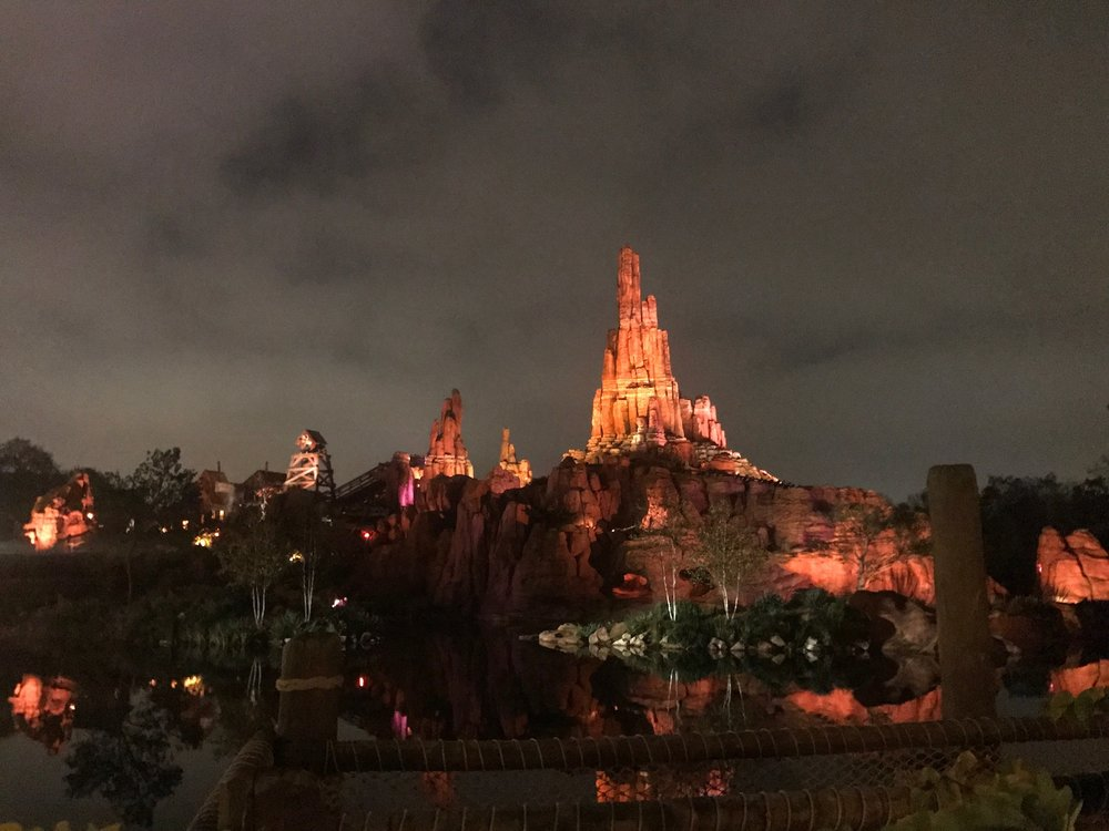disneyland-paris-big-thunder-mountain.jpg