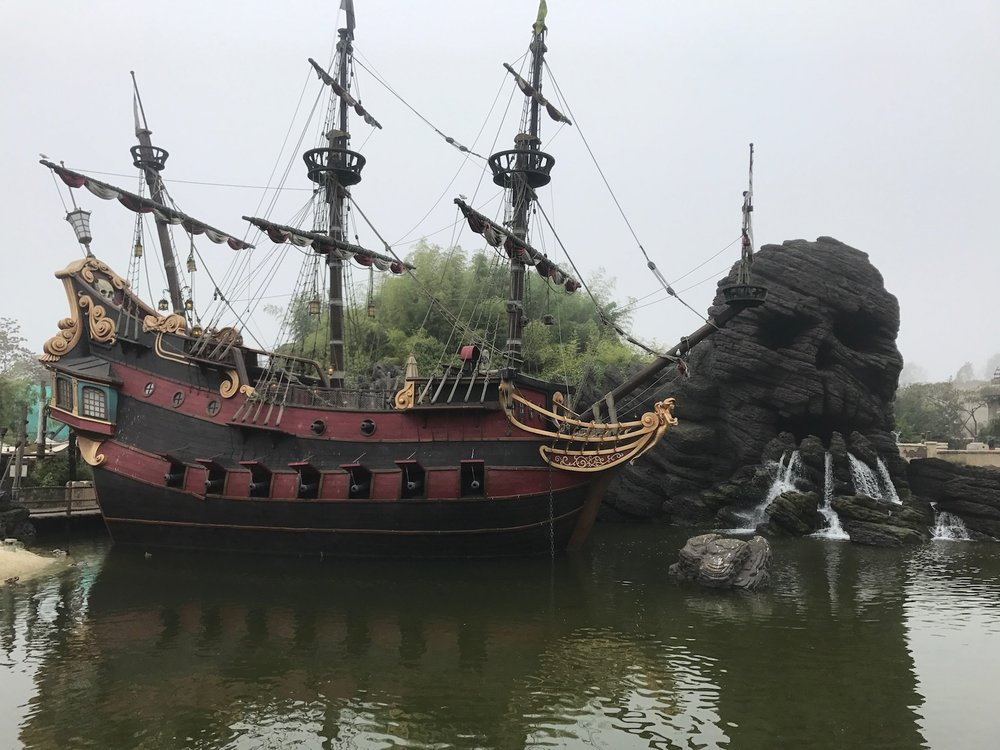 disneyland-paris-adventureland-ship.jpg