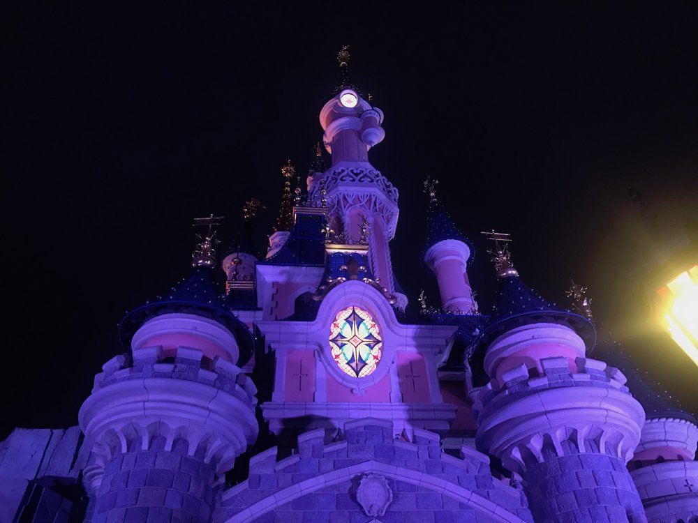 disneyland-paris-sleeping-beauty-castle-night.jpg