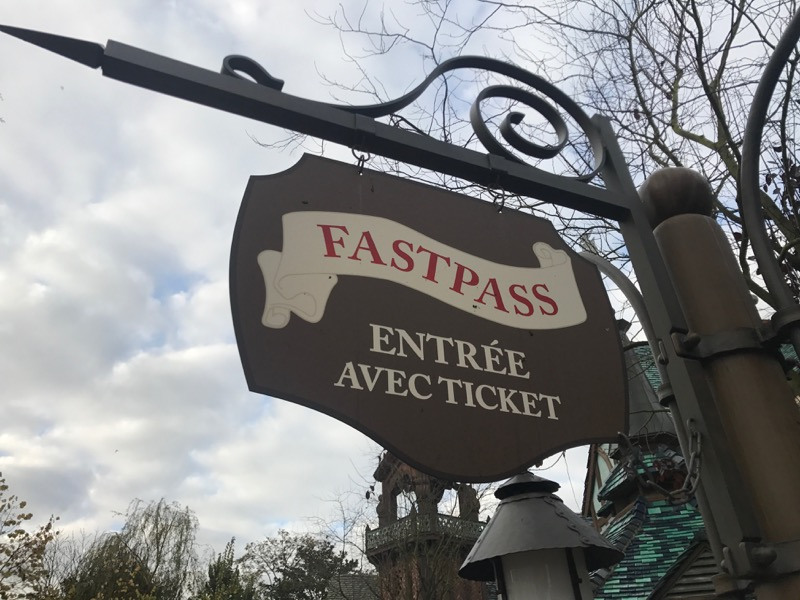 A rare instance of French without English at Disneyland Paris. Hopefully not too confusing.