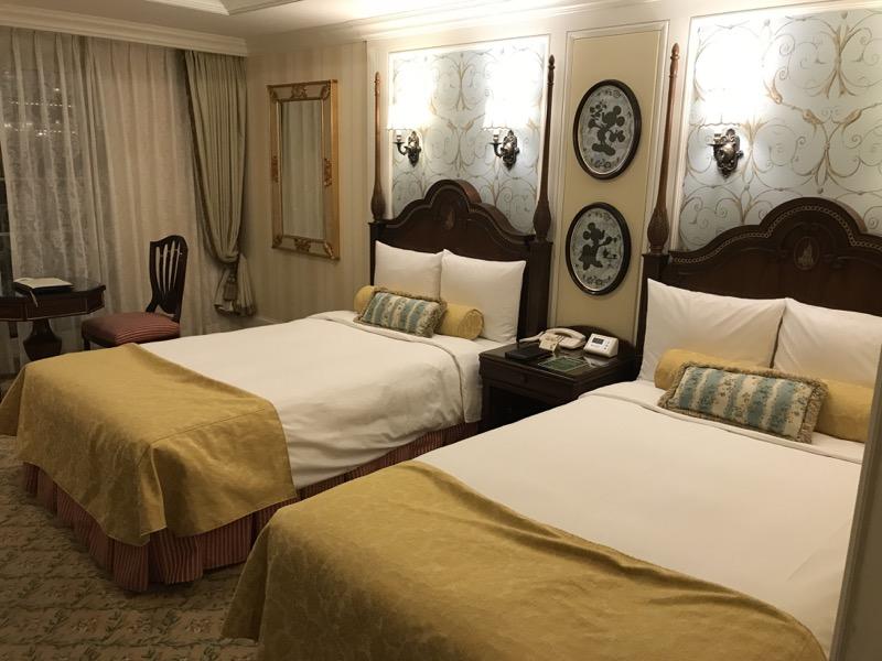tokyo disneyland hotel room 1.jpg