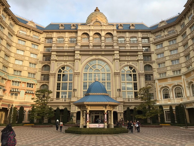 tokyo disneyland hotel outside.jpg