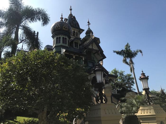 mystic manor.jpg