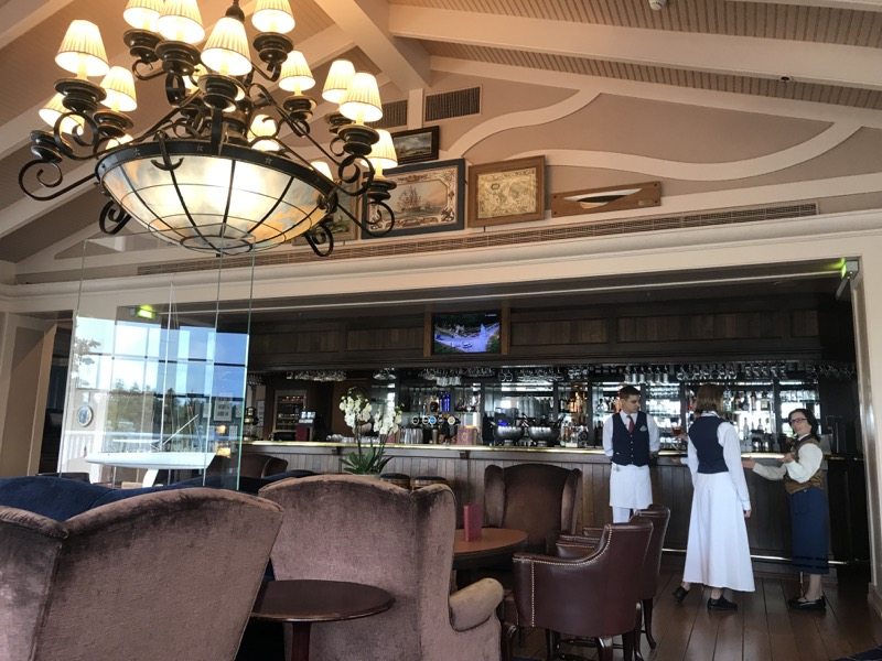 disneyland paris bars - captains quarters 5.jpg