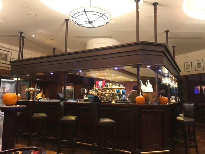 disneyland paris bars - new york 4.jpg