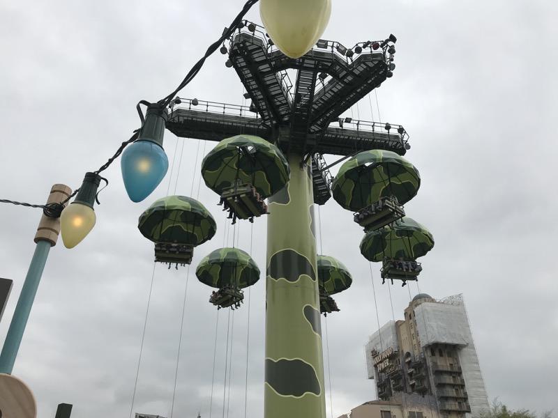 walt disney studios park rides - parachutes.jpg