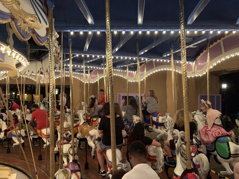 magic kingdom one day itinerary carrousel.jpg