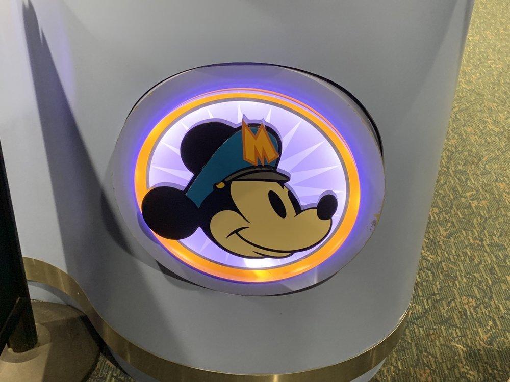 disney magical express logo.jpeg