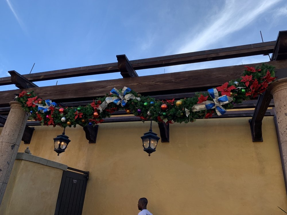 epcot mexico christmas 2.jpeg