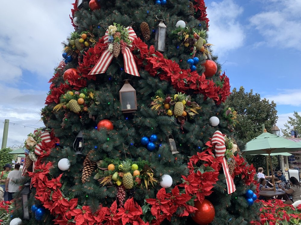 epcot USA christmas 1.jpeg